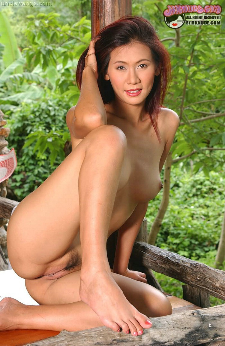 nudist girls outdoors